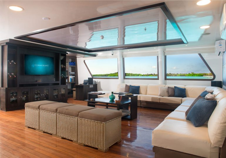 Galapagos Luxury Cruise - Cormorant Yacht - Guest Lounge