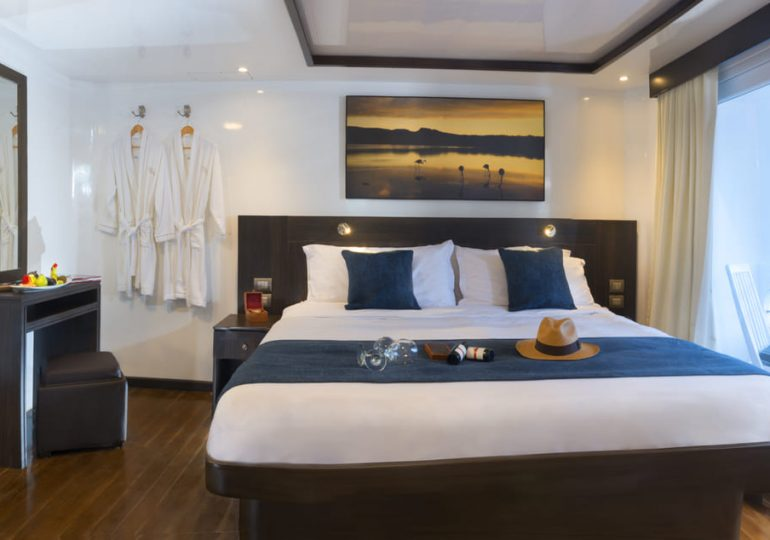 Galapagos Luxury Cruise - Cormorant Yacht - Suite