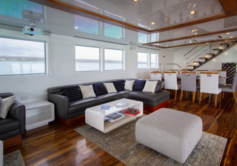 Galapagos Infinity Yacht - Guest Lounge