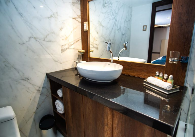 Grand Majestic - First-Class Galapagos Cruise (Cabins Bathroom 2)