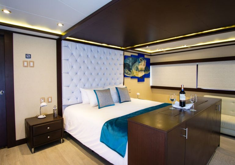 Grand Majestic - First-Class Galapagos Cruise (Suite)