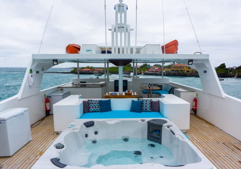 Grand Majestic - First-Class Galapagos Cruise (Sundeck)